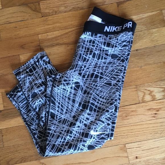 Nike Pants - Nike Pro Dri Fit Size: Medium EUC
